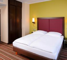 柏灵莱昂纳多酒店