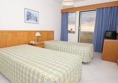 阿尔加维莫公寓酒店 - 波尔蒂芒 - 睡房
