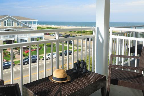 梅尔海滩前线旅馆 - 五月岬郡 - 阳台