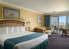 梅尔海滩前线旅馆 - 五月岬郡 - 睡房