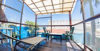 斯波特海滩青年旅舍 - 卡门海滩 - 阳台
