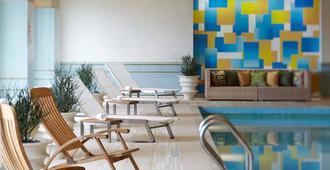 波士顿海滨万丽酒店 - 波士顿 - 游泳池