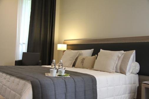扎拉米兰诺酒店 - 米兰 - 睡房