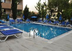 克列奥帕特拉赛琳酒店 - 阿拉尼亚 - 游泳池