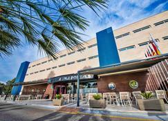 塞勒斯滨海门户酒店 - 卡尔维亚 - 建筑