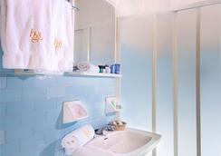 圣莫里茨酒店 - Igea Marina - 浴室
