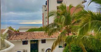 巴亚尔塔港阿马卡酒店 - 仅供成人入住 - 巴亚尔塔港 - 建筑