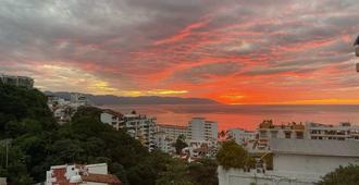 Hotel Amaca Puerto Vallarta - Adults Only - 巴亚尔塔港 - 阳台