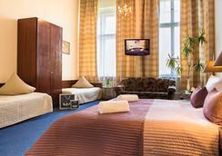 选帝侯大街康蒙特酒店 - 柏林 - 睡房