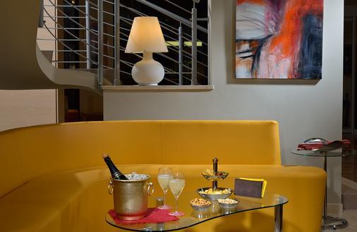 卡尔顿酒店 - 费拉拉 - 酒吧