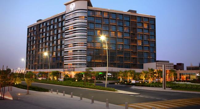 阿布扎比亚斯岛罗塔纳酒店 - 阿布扎比 - 建筑