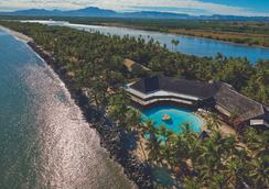 希尔顿斐济酒店 - 索奈萨利岛 - 南迪 - 海滩