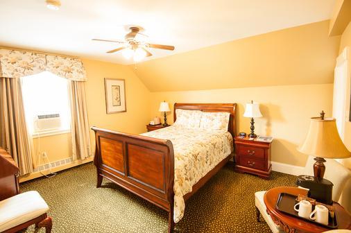 邓迪阿姆斯旅店 - 夏洛特顿 - 睡房