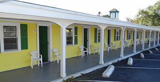 乔纳森爱德华兹汽车旅馆 - 丹尼斯港 - 建筑
