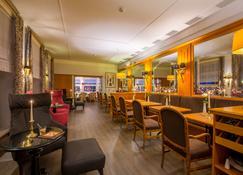 罗曼蒂克博格凯勒克思特灵酒店 - 迈森 - 酒吧