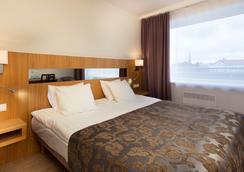 派尔努酒店 - Pärnu - 睡房