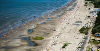 派尔努酒店 - 派尔努 - 海滩