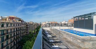 中央俱乐部日光酒店 - 巴塞罗那 - 游泳池