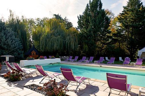 阿达里克花园酒店 - 奥贝奈 - 游泳池