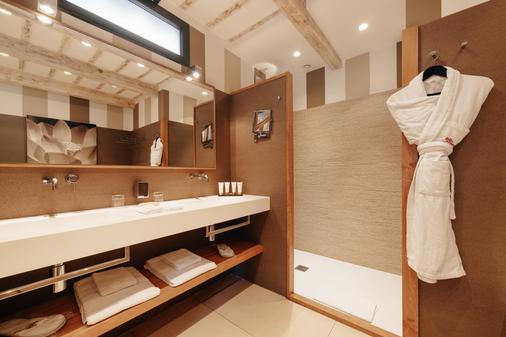 贝尔舍伊巴隆巴热亚酒店 - 维琪奥港 - 浴室
