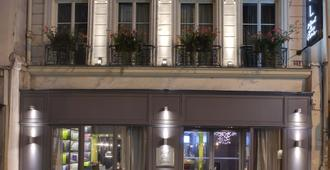 巴黎小巴黎酒店 - 巴黎 - 建筑