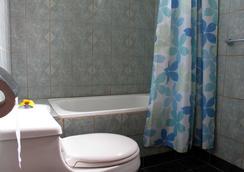 奥龙戈酒店 - 安加罗阿 - 浴室