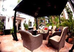 皮埃尔酒店 - 迈阿密海滩 - 露台