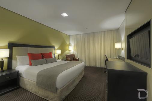 阿雷格里港德维尔总理酒店 - 阿雷格里港 - 睡房