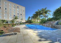 阿雷格里港德维尔总理酒店 - 阿雷格里港 - 游泳池
