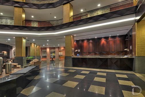 阿雷格里港德维尔总理酒店 - 阿雷格里港 - 柜台