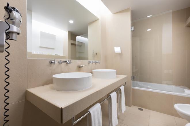 圣拉斐尔套房公寓式酒店 - - 阿尔布费拉 - 浴室