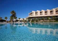 圣拉斐尔套房公寓式酒店 - - 阿尔布费拉 - 游泳池