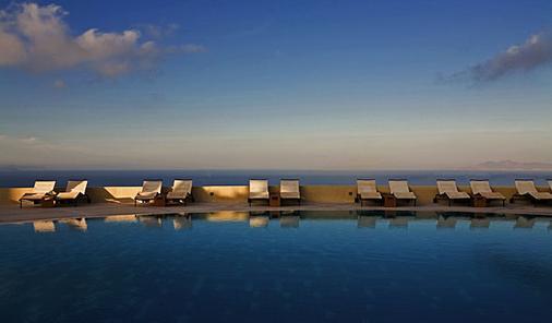 马杰斯缇克酒店 - 费拉 - 游泳池