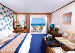 康斯坦丁诺雅典娜皇家海滩酒店 - 帕福斯 - 睡房