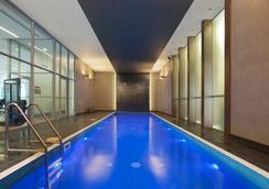 墨尔本短期住宿mp豪华公寓 - 墨尔本 - 游泳池