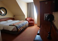 凯恩中心皇家酒店 - 凯恩 - 睡房