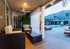 利特伊乐园酒店 - 棕榈泉 - 露台
