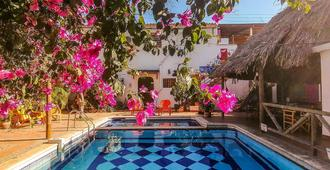 Divanga Hostel - Taganga - 游泳池