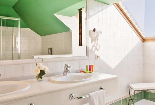 奥古斯塔 Spa 度假村 - 桑亨霍 - 浴室