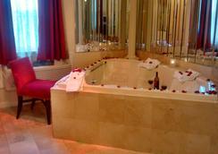 国际套房酒店 - 海恩尼斯 - 景点