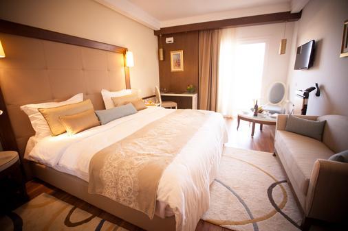 苏斯宫殿Spa酒店 - 苏塞 - 睡房
