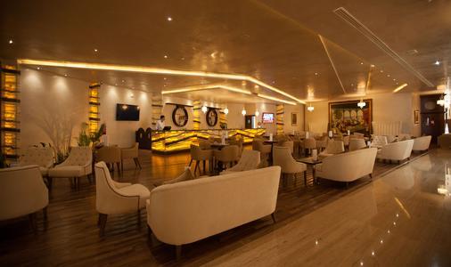 苏斯宫殿Spa酒店 - 苏塞 - 酒吧