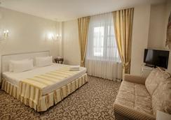 滨海别墅酒店 - 克拉斯诺达尔 - 睡房