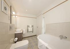Perle Oban Hotel - 奥本 - 浴室