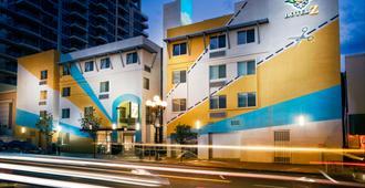 菠萝亲切Z酒店 - 圣地亚哥 - 建筑