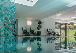 贝格威尔特酒店 - 朗根费尔德 - 游泳池