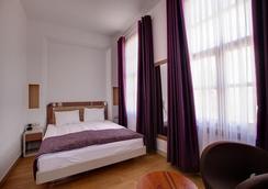 普定码头酒店 - 安塔利亚 - 睡房