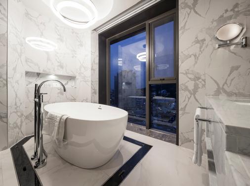 帝马克豪华酒店明洞 - 首尔 - 浴室