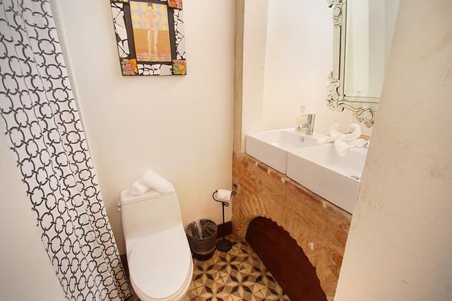 埃伦西亚别墅酒店 - 圣胡安 - 浴室