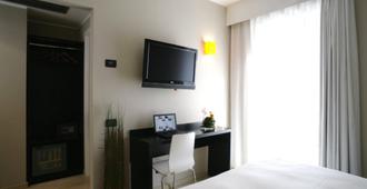 安尼耶内酒店 - 罗马 - 睡房
